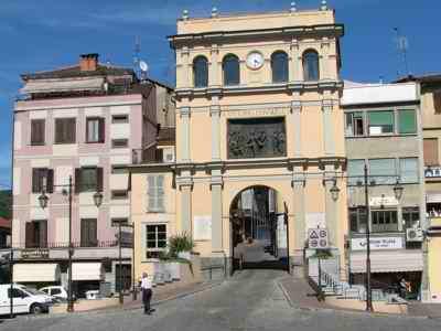 Moncalieri torino - Il mercato della piastrella moncalieri orari ...
