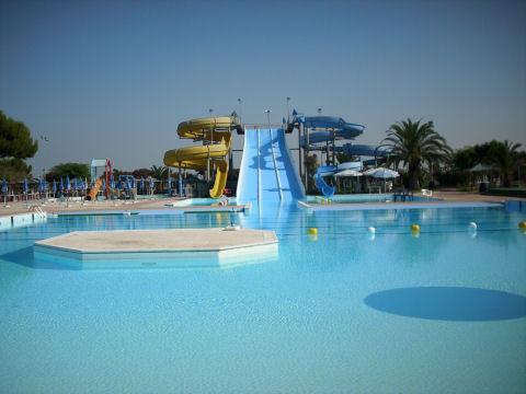 Parco acquatico acquafolies a taranto - Piscina francavilla fontana ...