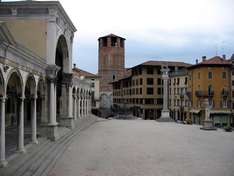 Il friuli venezia giulia turismo e itinerari for Piazza del friuli