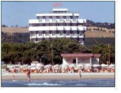 Alberghi e hotel a roseto degli abruzzi residence for Hotel giardino 3 stelle roseto degli abruzzi te