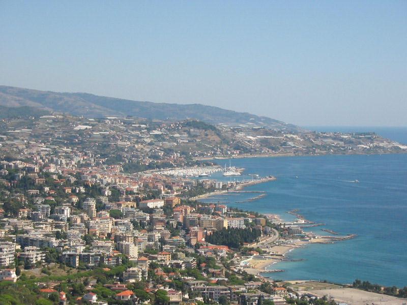 Liguria  Il Mare  I Monti  Le Tradizioni