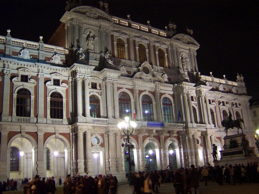 Palazzo carignano torino for Composizione del parlamento italiano oggi