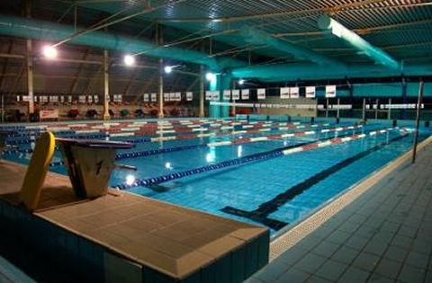 Piscine coperte e piscine scoperte c o palazzetto dello sport a saint vincent - Piscine termali coperte per bambini ...